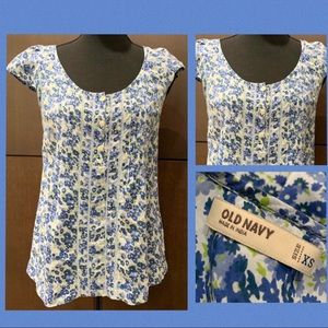 Old Navy Blue Floral Smocked Cap Sleeve Top XS